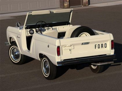 1966 Ford Bronco roadster 3