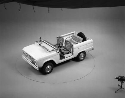 1966 Ford Bronco roadster 11