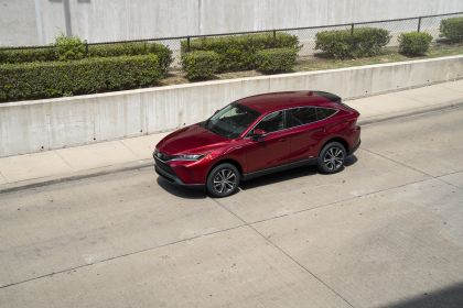 2021 Toyota Venza LE 10