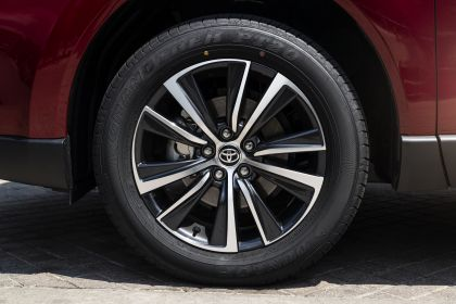 2021 Toyota Venza LE 14