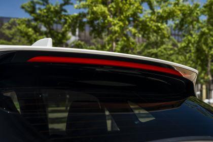 2021 Toyota Venza XLE 18