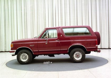 1992 Ford Bronco 2