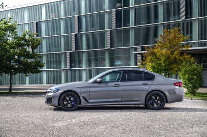 2021 BMW 545e ( G30 ) xDrive sedan 10