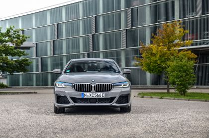 2021 BMW 545e ( G30 ) xDrive sedan 11