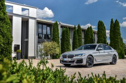 2021 BMW 545e ( G30 ) xDrive sedan 15