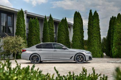 2021 BMW 545e ( G30 ) xDrive sedan 16