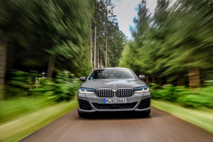 2021 BMW 545e ( G30 ) xDrive sedan 19