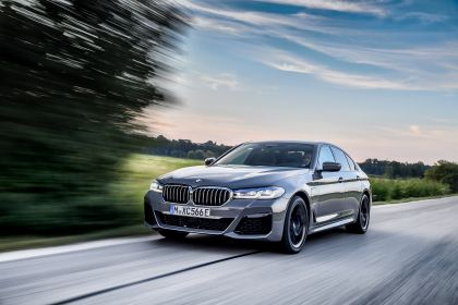 2021 BMW 545e ( G30 ) xDrive sedan 21