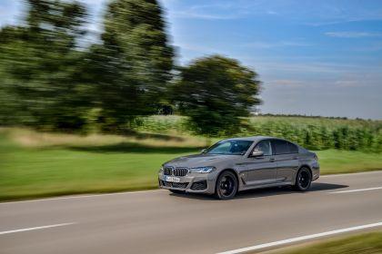 2021 BMW 545e ( G30 ) xDrive sedan 24