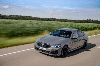 2021 BMW 545e ( G30 ) xDrive sedan 29