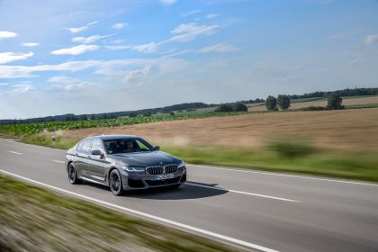 2021 BMW 545e ( G30 ) xDrive sedan 31
