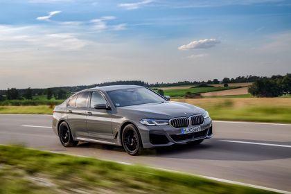 2021 BMW 545e ( G30 ) xDrive sedan 36