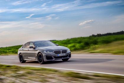 2021 BMW 545e ( G30 ) xDrive sedan 37