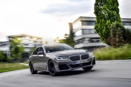 2021 BMW 545e ( G30 ) xDrive sedan 41