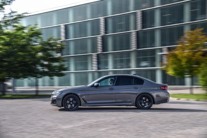 2021 BMW 545e ( G30 ) xDrive sedan 45