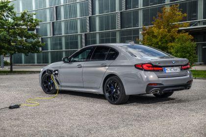 2021 BMW 545e ( G30 ) xDrive sedan 50