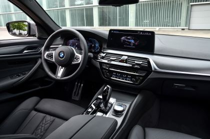 2021 BMW 545e ( G30 ) xDrive sedan 61