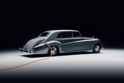 2020 Rolls-Royce Phantom V by Lunaz 2