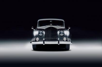 2020 Rolls-Royce Phantom V by Lunaz 3