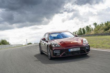 2021 Porsche Panamera Turbo S 21
