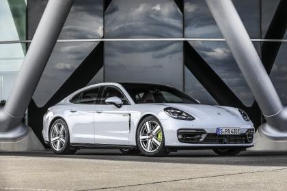 2021 Porsche Panamera 4S E-Hybrid 1