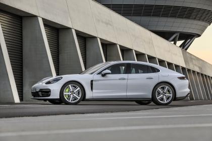 2021 Porsche Panamera 4S E-Hybrid 2