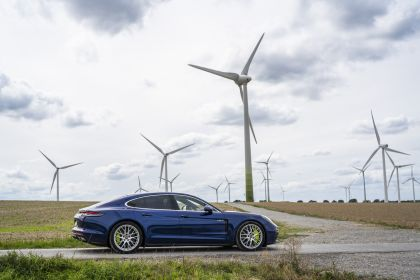 2021 Porsche Panamera 4S E-Hybrid 21