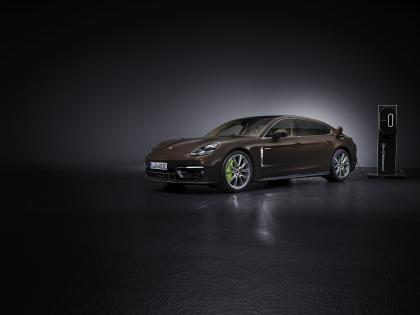 2021 Porsche Panamera 4S E-Hybrid Executive 2
