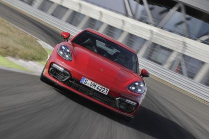 2021 Porsche Panamera GTS Sport Turismo 5
