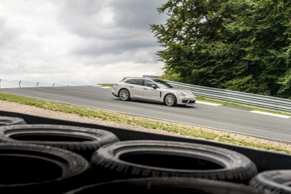 2021 Porsche Panamera GTS Sport Turismo 15