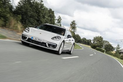 2021 Porsche Panamera GTS Sport Turismo 22