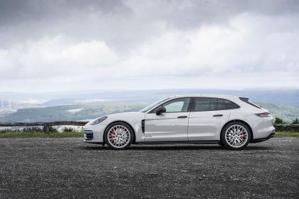 2021 Porsche Panamera GTS Sport Turismo 37