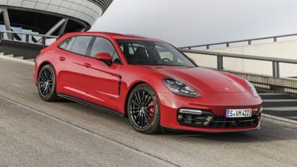 2021 Porsche Panamera GTS Sport Turismo 9