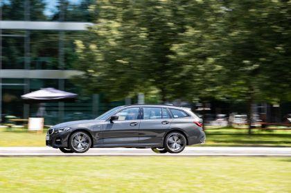 2021 BMW 330e ( G21 ) Touring 18