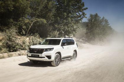 2021 Toyota Land Cruiser 6