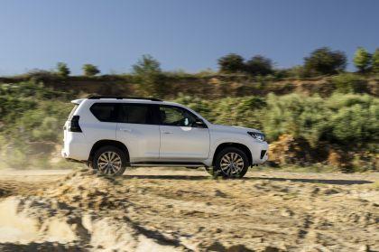 2021 Toyota Land Cruiser 18