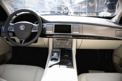 2008 Jaguar XF 32