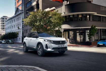 2021 Peugeot 3008 Hybrid4 10