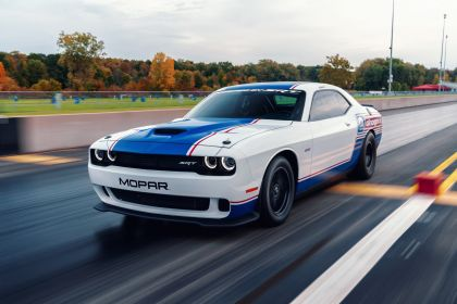 2021 Dodge Challenger Mopar Drag Pak 3