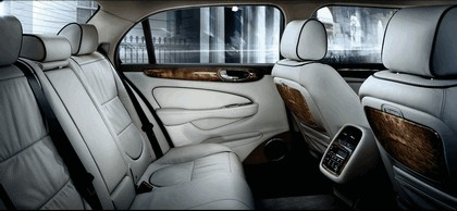 2008 Jaguar XJ8 L 13