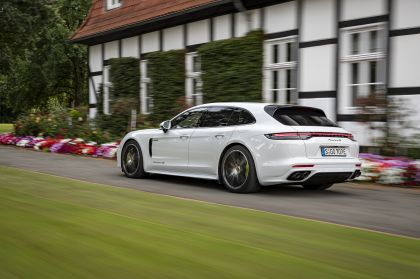 2021 Porsche Panamera 4S E-Hybrid Sport Turismo 23