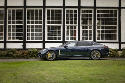 2021 Porsche Panamera Turbo S Executive 24
