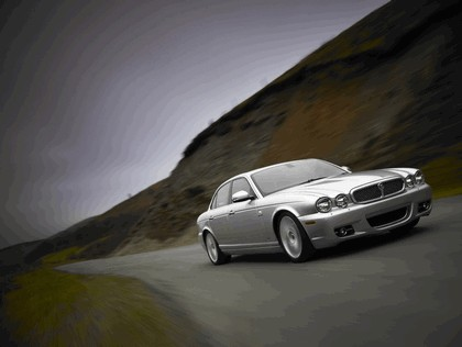 2008 Jaguar XJ8 UK version 2