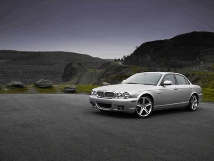 2008 Jaguar XJ8 UK version 4