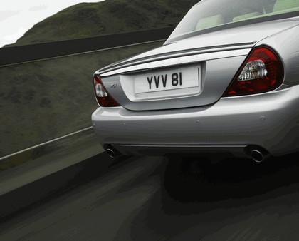 2008 Jaguar XJ8 UK version 9