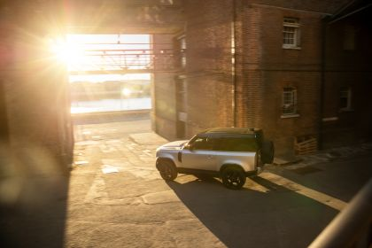 2021 Land Rover Defender 90 12