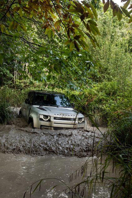2021 Land Rover Defender 90 34