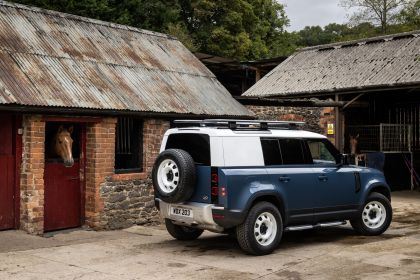 2021 Land Rover Defender 110 Hard Top 10