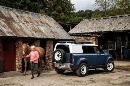 2021 Land Rover Defender 110 Hard Top 12