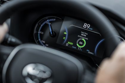 2020 Toyota RAV4 Plug-in Hybrid 122